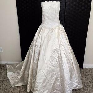 VTG Priscilla Boston Silk Lace Bead Wedding Gown